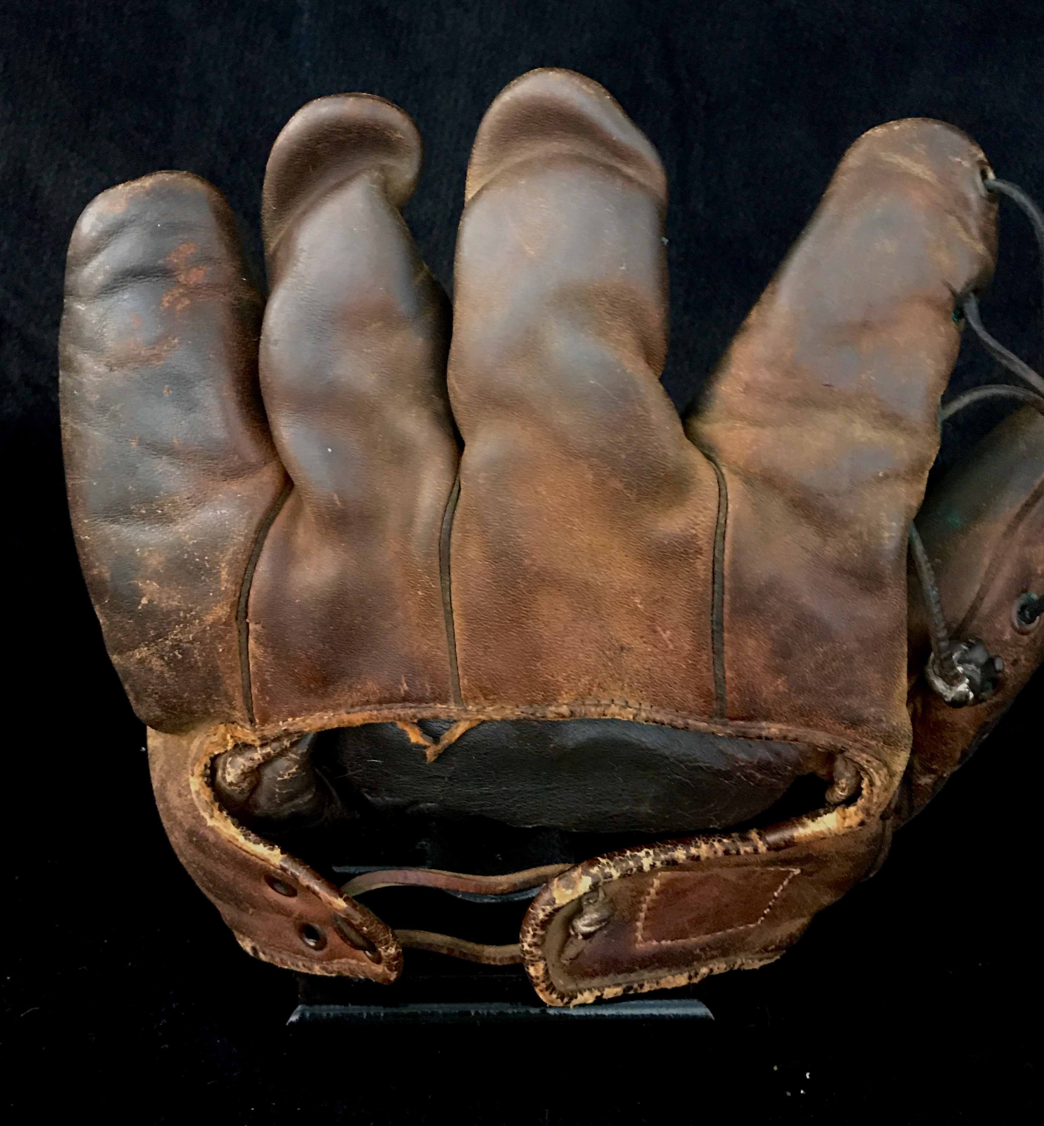 Ted Williams 1938-39 Game Used Rookie Era Glove + Auto PSA/DNA - Image 3